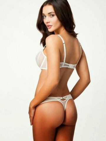 models Amy Jackson 19 years Without clothing image in the club