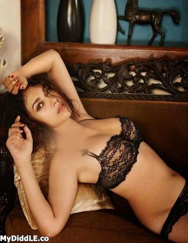models Aditi Rao Hydari 23 years in the altogether photos in the club