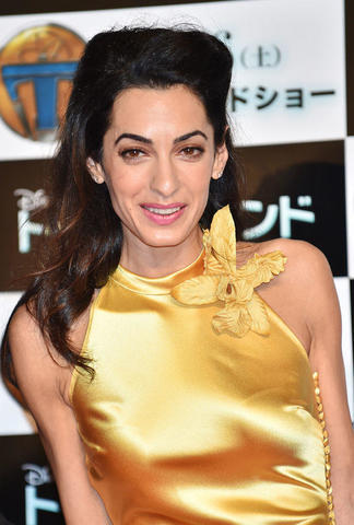 models Amal Clooney 21 years pussy image in public