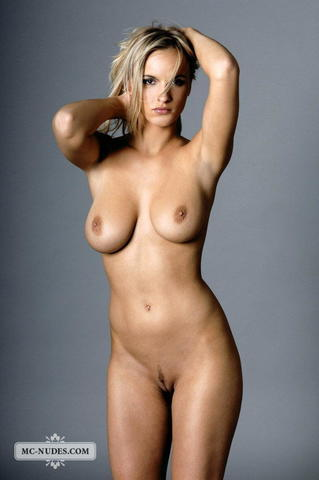 Naked Larissa Meek picture