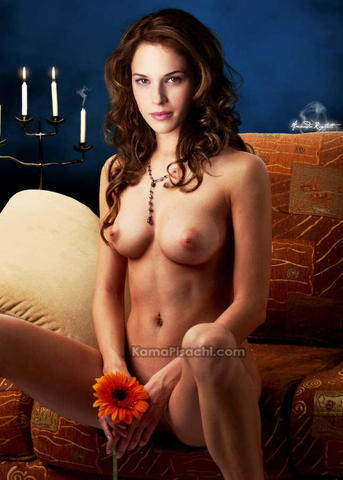 Naked Amanda Righetti art