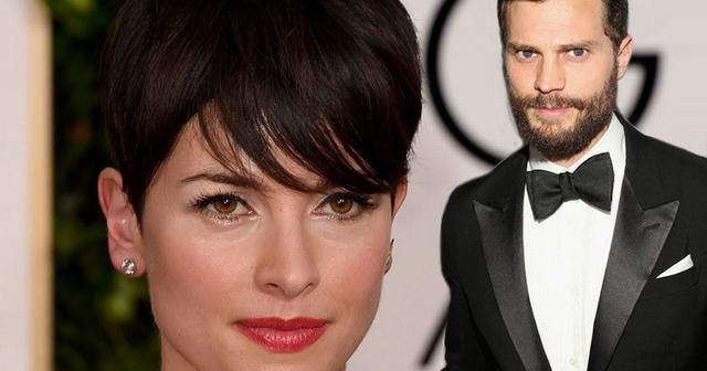 models Amelia Warner 21 years Without slip pics in public
