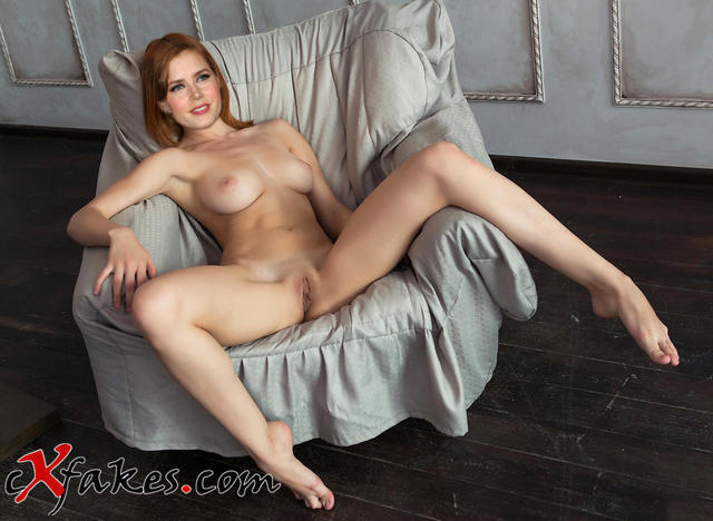 Naked Amy Adams snapshot