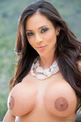 models Ariella Ferrera 20 years Without slip photo in the club