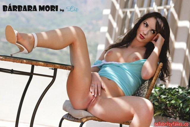 models Bárbara Mori 19 years naked photo in public