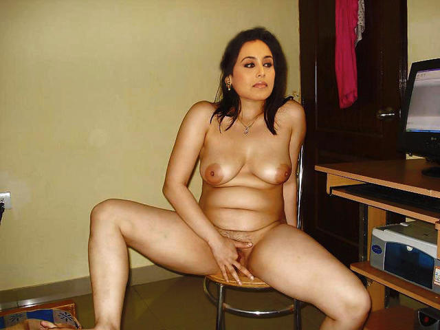 Rani Mukerji topless photos
