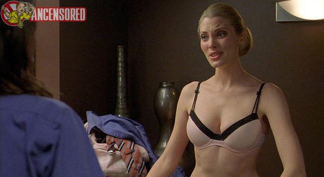 models April Bowlby 21 years undressed photoshoot home