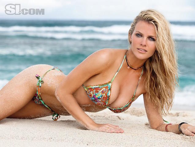 Hot pics Brooklyn Decker tits