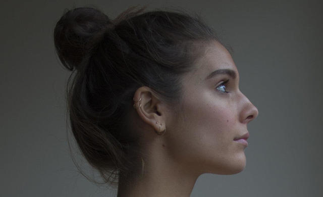 celebritie Caitlin Stasey 2015 obscene picture in public