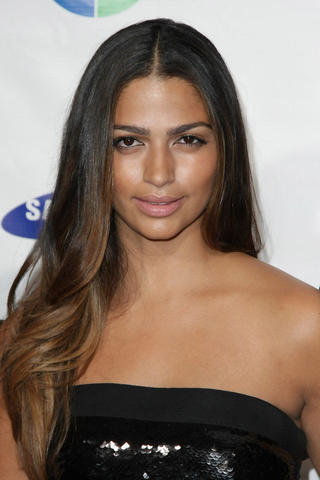 actress Camila Alves 20 years fleshly photography in public
