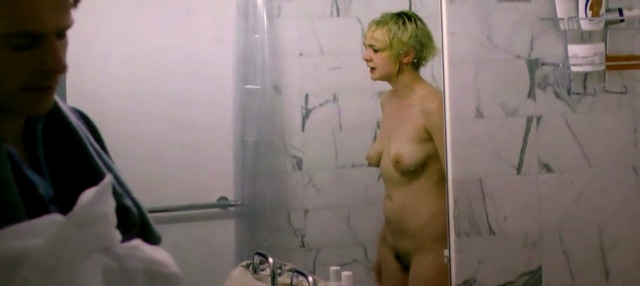 celebritie Carey Mulligan 23 years flirtatious image beach