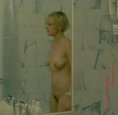 celebritie Carey Mulligan 24 years provocative photo in the club