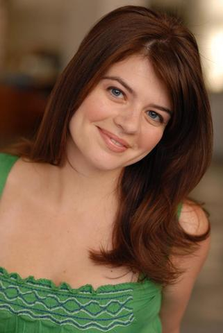 celebritie Casey Wilson 25 years Without clothing image in public