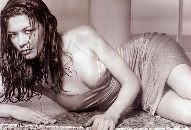 actress Sarah Chronis young teat snapshot beach