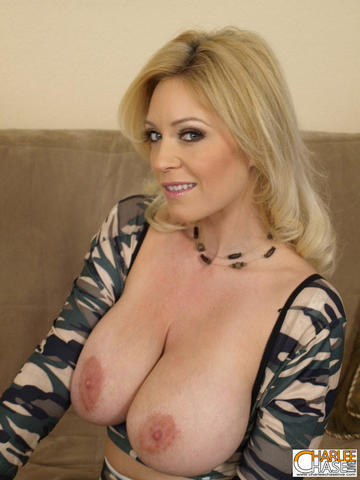actress Charlee Chase 19 years naturism image in public