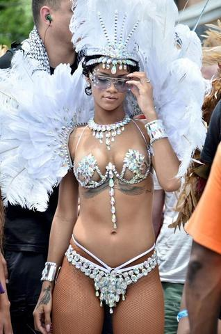 actress Rihanna 20 years Without panties image beach