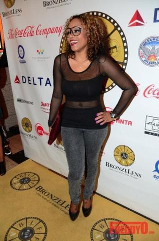 celebritie LaTavia Roberson 19 years sky-clad snapshot in the club