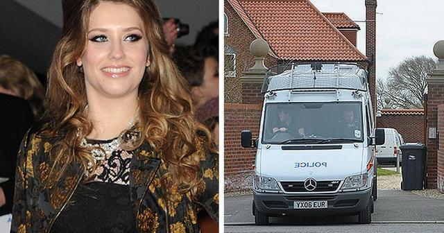 actress Ella Henderson 18 years Without swimsuit foto in the club