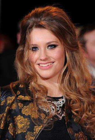 models Ella Henderson 19 years overt photo home