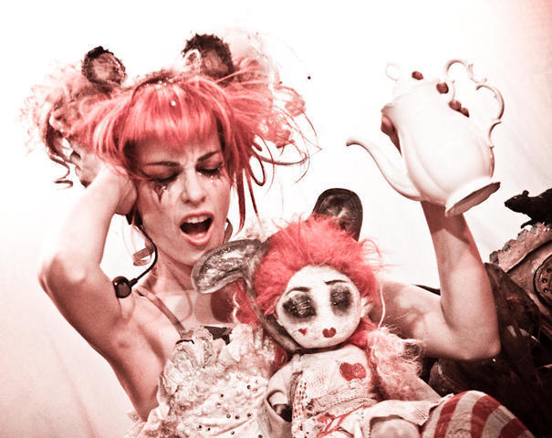 celebritie Emilie Autumn 23 years unmasked photos home