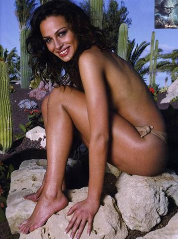 models Eva González 24 years swimsuit photography beach