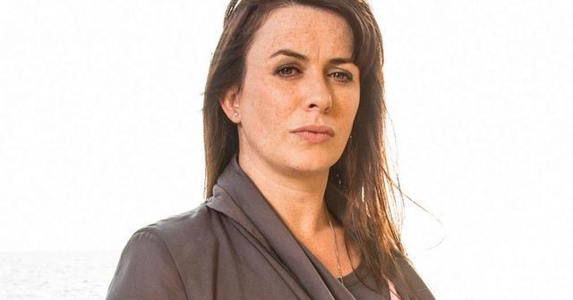 celebritie Eve Myles 19 years arousing snapshot in public