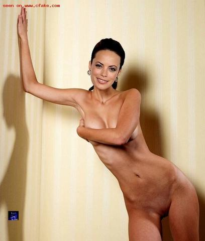 actress Bérénice Bejo 18 years the nude pics in public