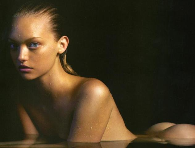 celebritie Gemma Ward 23 years in the buff picture in public
