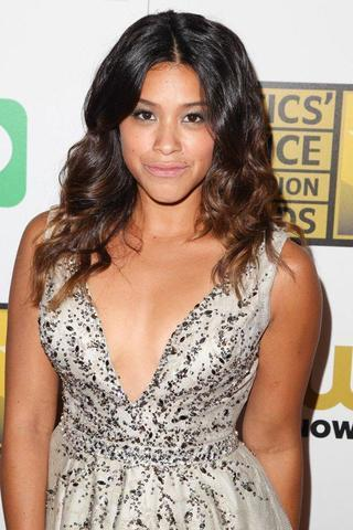 actress Gina Rodriguez 23 years leafless photo home