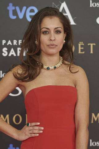 celebritie Hiba Abouk 24 years indecent snapshot home