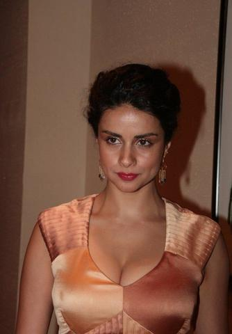 actress Gul Panag 19 years disclosed pics home