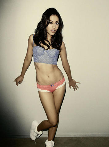 actress Janina Gavankar 20 years crude pics beach