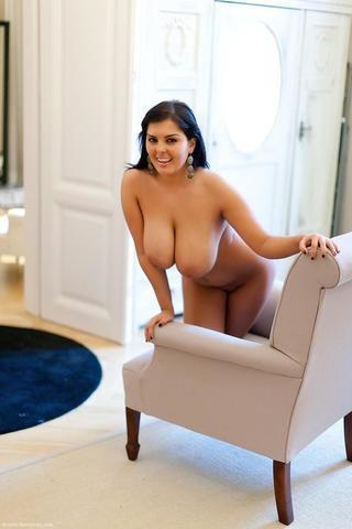 Naked Jasmine Richards foto