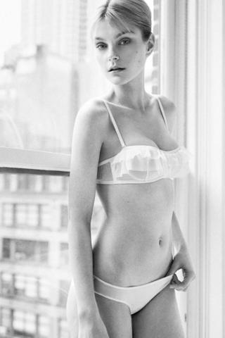 Jessica Stam topless picture