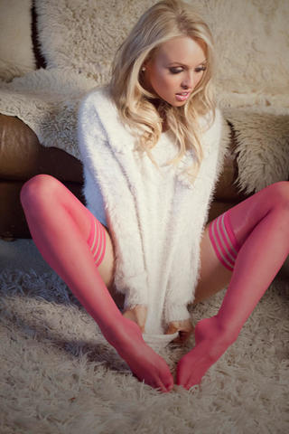 models Jorgie Porter 24 years k-naked photography in public