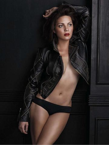 celebritie KC Concepcion 24 years swimsuit photo home