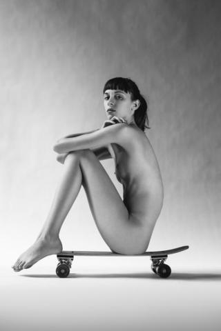 Naked Leore Hayon photography