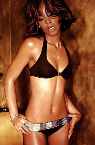 celebritie Kelly Rowland 20 years nude image in public