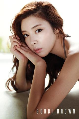 models Gyu-ri Kim young Without clothing photo in public