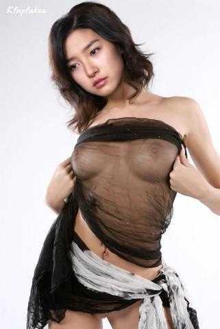models So-yeon Kim 2015 in one's birthday suit picture home