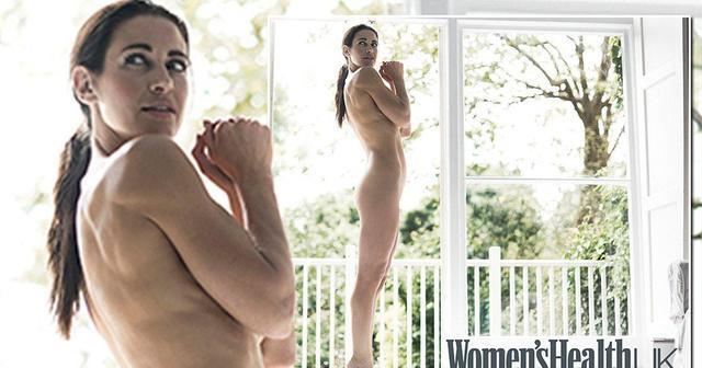 celebritie Kirsty Gallacher 19 years rousing art in public