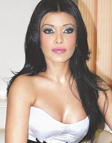 actress Koena Mitra 18 years unsheathed image in public