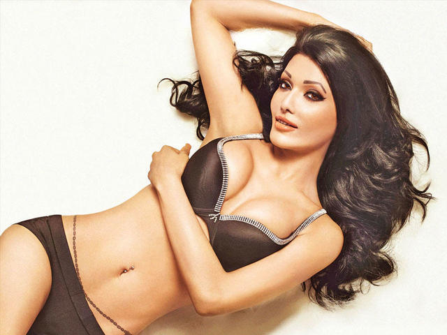 actress Koena Mitra 19 years hot photoshoot in public