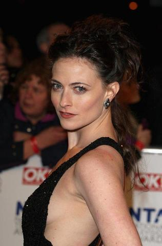 actress Lara Pulver 23 years bosom photography home