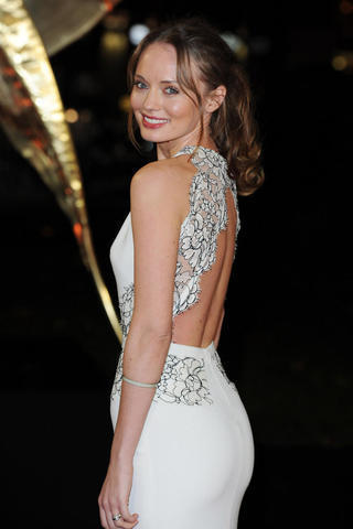 celebritie Laura Haddock 19 years tits photography home