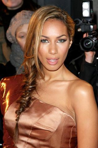 actress Leona Lewis 25 years obscene photography beach