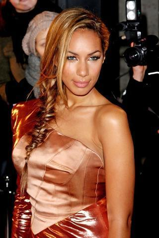 celebritie Leona Lewis 25 years Uncensored pics beach