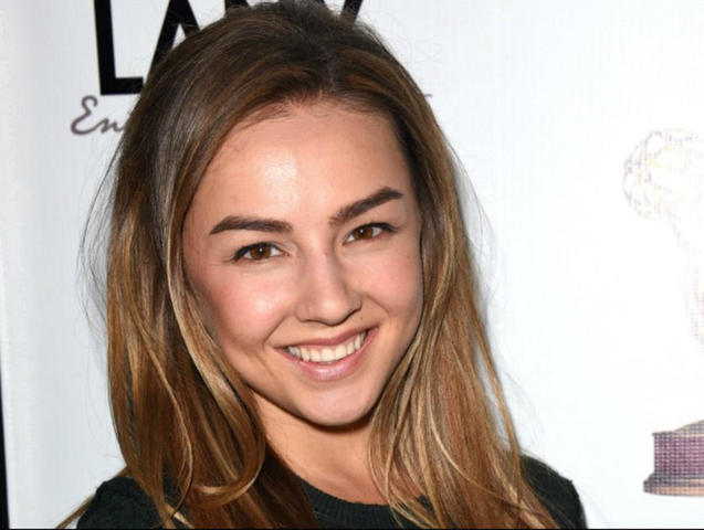 celebritie Lexi Ainsworth 19 years Without clothing snapshot in public