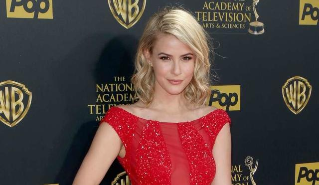 celebritie Linsey Godfrey young obscene photography home