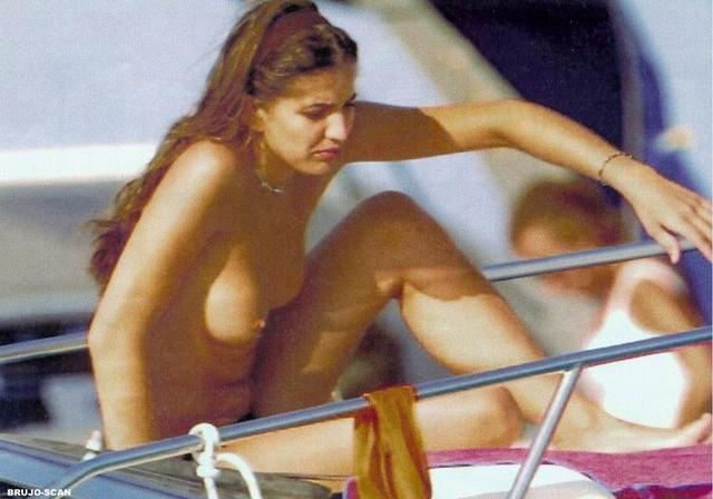 actress Lucía Jiménez 24 years lascivious art beach
